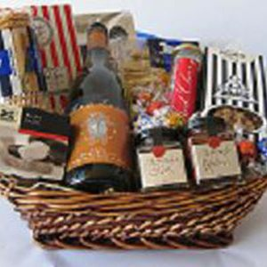 Gourmet Hamper with Wine